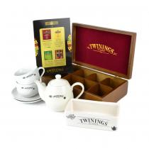 PZ 1 scatola da 8 scomparti + 2 tazzine con piattino Twinings + 1 teiera Twinings + 160 bustine con assortimento di the, tisane e camomille; e mini espositore Twinings